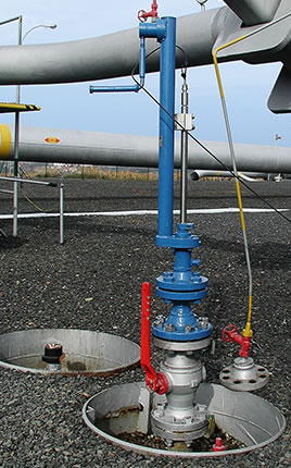 Sampling probe inserted at full pressure to the level of pipeline axis